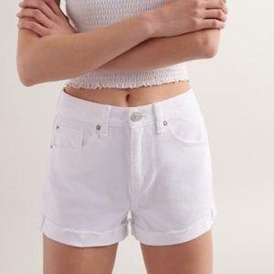 BNWT Garage white Mom shorts